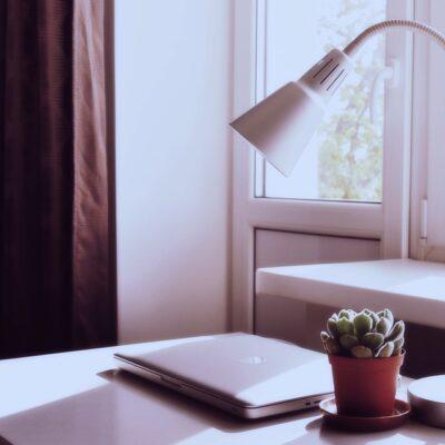 lampe til skrivebord